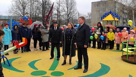 В Егорьевске открыты две детские площадки