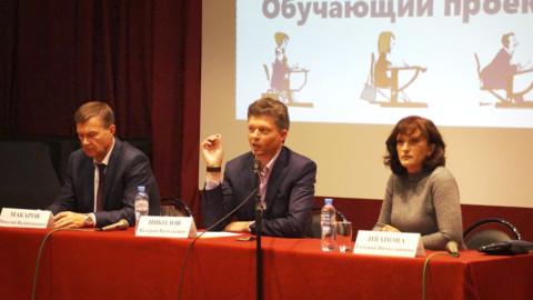 О тонкостях капитального ремонта рассказал жителям Лыткарино Валерий Николов