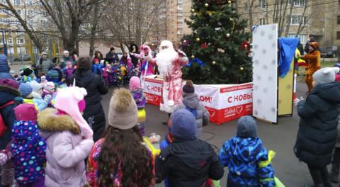 Добрая традиция – отмечать Новый год во дворе