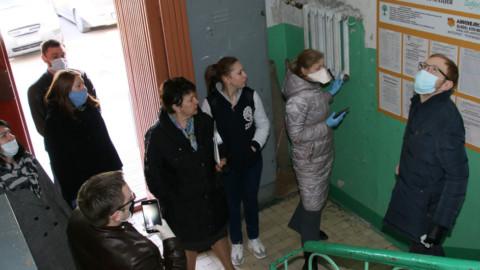 Проверка дезинфекции подъездов МКД в Дзержинском