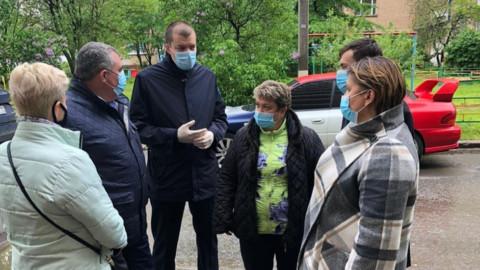 В Лобне проверили качество уборки и дезинфекции подъездов