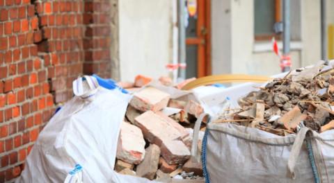Вступили в силу новые штрафы для нелегальных перевозчиков строительных отходов